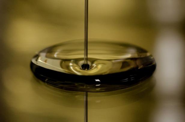 oil-696579_1920