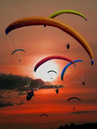 paraglider-701440_1920